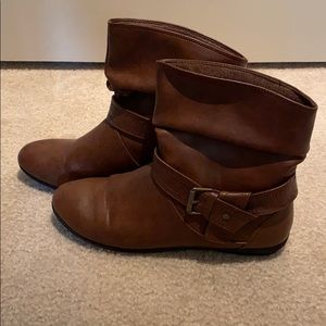 Shoes - Size 8 brown short boots